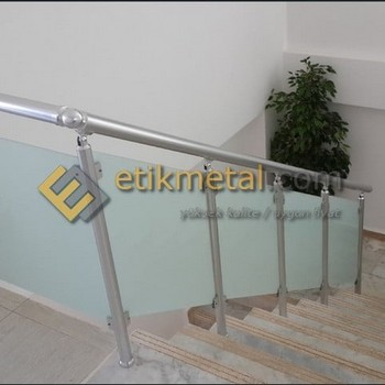 aluminyum korkuluk 19 350x350