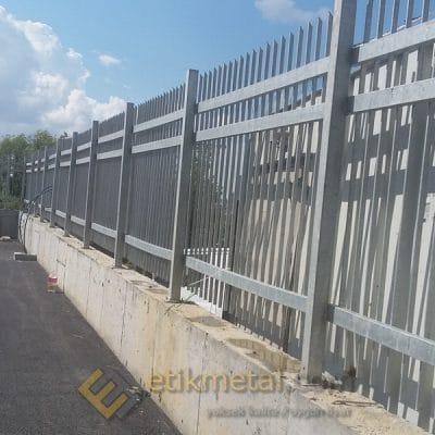 galvaniz teras korkuluk 6 400x400