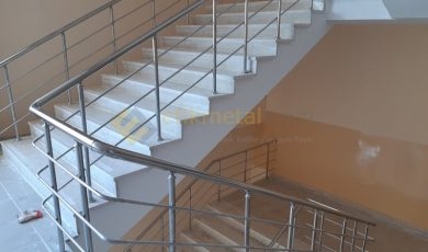 okul merdiveni paslanmaz korkuluk 5 390x230