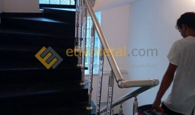 pleksi merdiven korkuluk 6 min 390x230
